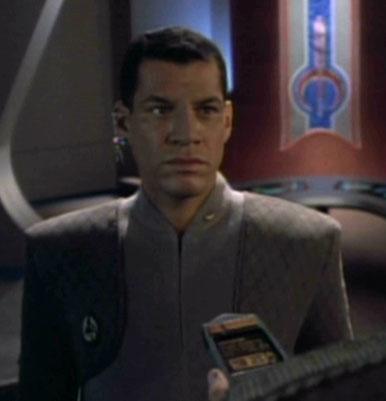 Lieutenant Commander Eegyu  Rhelag